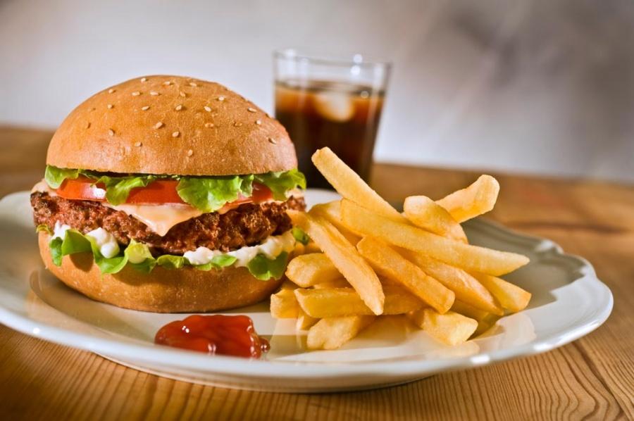 Fast food restaurants do more harm than good essay